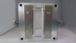 dispositivo per misurare la forza di estrusione di tubetti di crema, dentifrici, etc..